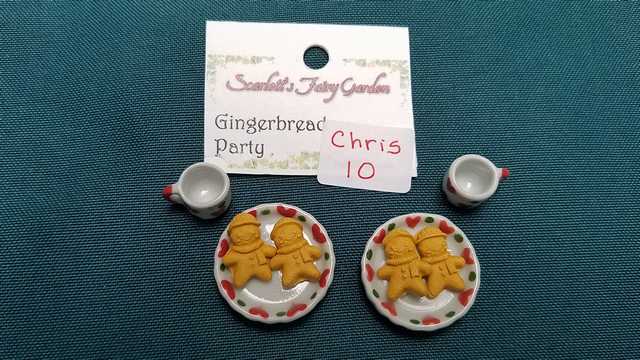 Miniature Christmas Gingerbread Party - 8 Piece Set - Plates - Cups - Cookies - Barbie - Fairy - 1:12 Scale